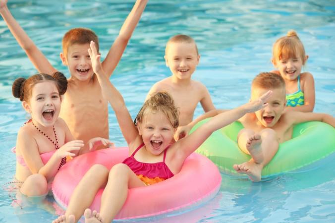 Viele Campingplätze in Frankreich haben auch einen eigenen Pool mit dabei - das bringt Badespaß für Groß und Klein! (#4)