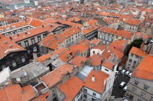 Clermont-Ferrand zählt als mittelalterliche Stadt selbst zu den Sehenswürdigkeiten der Auvergne. (#2)