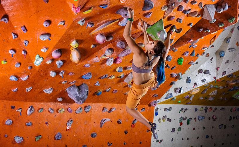 Die Nachbildungen der Felswände erzielen eine Höhe bis zu 18 Metern. (#04)