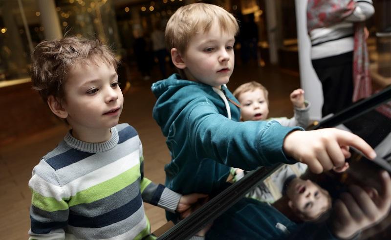 Anfassen, Ausprobieren und Staunen sind im Kinder- und Jugendmuseum München ausdrücklich erwünscht. (#01)