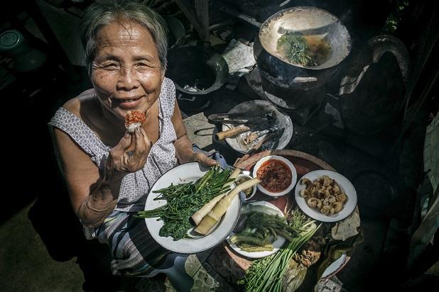 In den asiatischen Ländern kann man so günstig und lecker essen gehen, da lohnt sich es sich es nicht selber zu kochen.