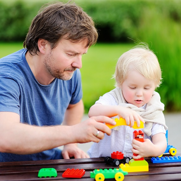 Für die Väter eine tolle Möglichketi, Zeit beim Lego spielen mit ihrem Kindern zu verbringen