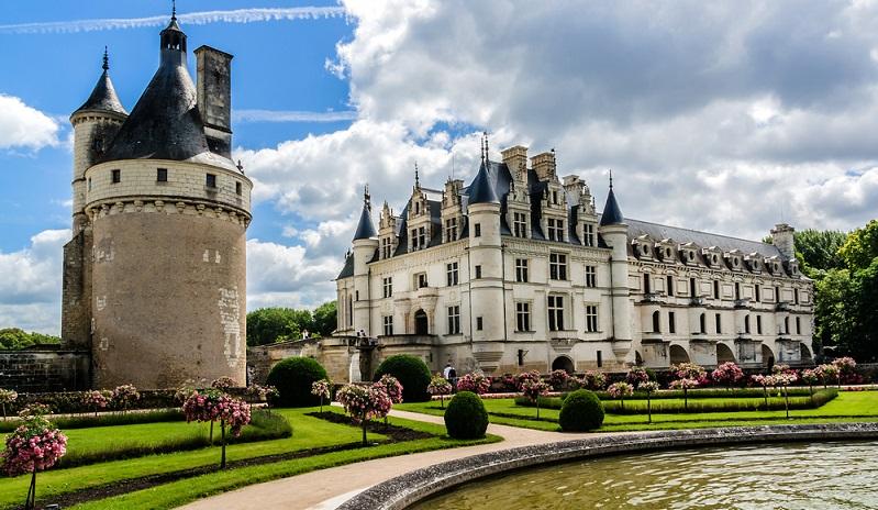 Typisch für den Naturpark in Frankreich ist außerdem der Tuffstein, in dem verschiedene Höhlenwohnungen und Vorratsspeicher angelegt wurden. Dieser kommt außerdem in vielen der berühmten Schlösser an der Loire vor. (#04)