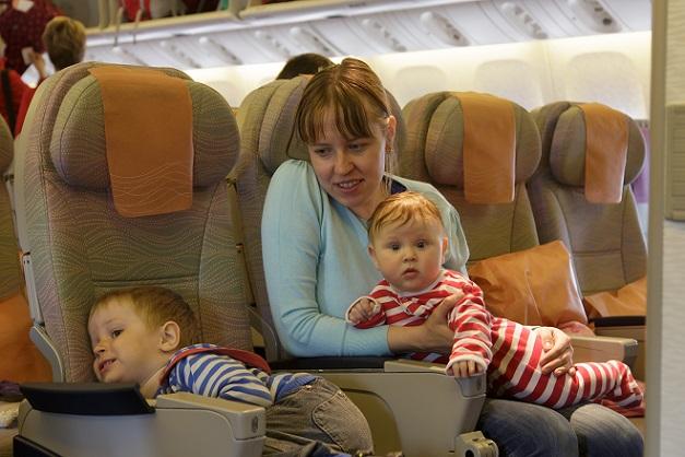 Condor, TUI Fly und Air France gelten sowohl im Kurz- als auch im Mittel- und Langstreckenflugsegment als recht teuer: Sie geben keinerlei Rabatte für Kinder.(#01)