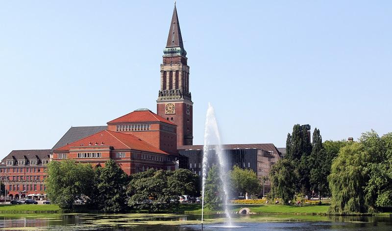 In die Liste der schönsten Städte der Ostsee gehört natürlich auch die nördlichste Großstadt Deutschlands: Kiel.