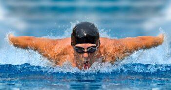 Schwimmerschulter, Schwimmerknie & Co.: Wie Sie bleibende Schäden vermeiden ( Foto: Shutterstock-Andrey Burmakin )