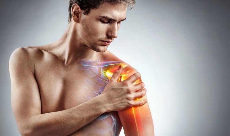Rund 30 bis 50 Prozent aller Leistungsschwimmer leiden an der Schwimmerschulter. ( Foto: Shutterstock-RomarioIen)