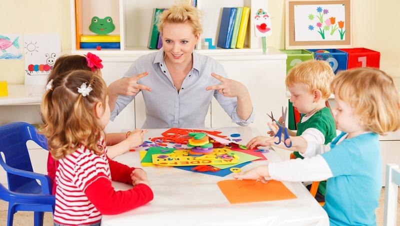 Wer möchte als Kind schon, dass Mama ständig alles im Blick hat? Später wird das Spielzimmer immer noch als solches genutzt, wenngleich Jugendliche es eher nicht so bezeichnen würden. (#03)