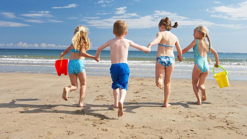 Ab ins Wasser: Das mag (fast) jedes Kind!