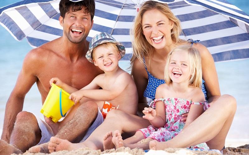 Der Urlaub mit den eigenen Kindern ist die schönste Zeit des Jahres für eine Familie.(#01)