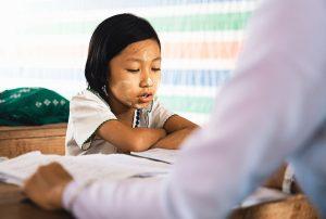 Vor einem IQ-Test sollte vor allem die Schule und der Klassenlehrer befragt werden. Die Lehrer verfügen über pädagogisches Wissen und können das Kind auch im Vergleich zu anderen Kindern der gleeichen Alteersgruppe beobachten. (#1)