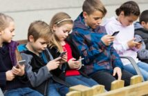 Wann sind Kinder alt genug für ein Smartphone?