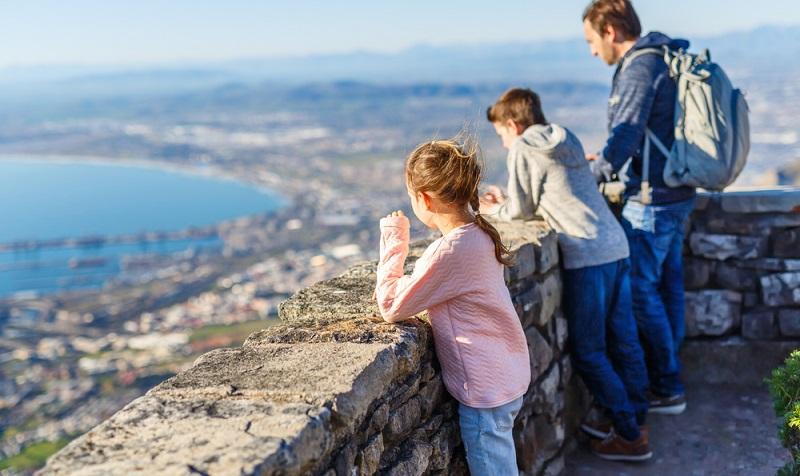 In Südafrika bietet sich für den Familienurlaub etwa die Kapregion an, z.B. eine Reise von Kapstadt bis nach Umhlanga. (#03)