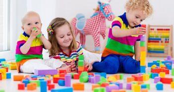 Warum Spielzeug für Kinder wichtig ist: Weniger ist manchmal mehr!