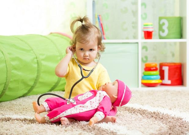 Bekommen die Kleinen ständig neues Spielzeug, nimmt das Interesse daran im Allgemeinen ab. (#04)