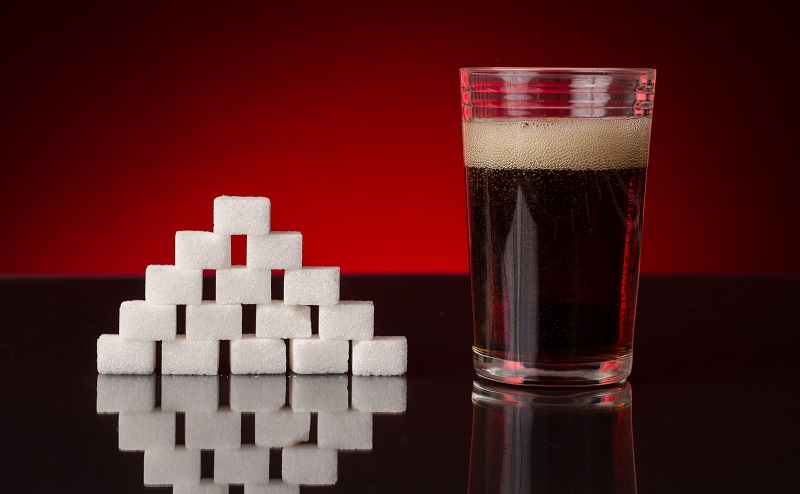 Soviel Zucker ist in Getränken wie Cola und Eistee enthalten (#03)