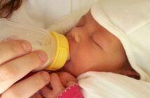 Umstellung Muttermilch auf Beikost: So einfach geht das